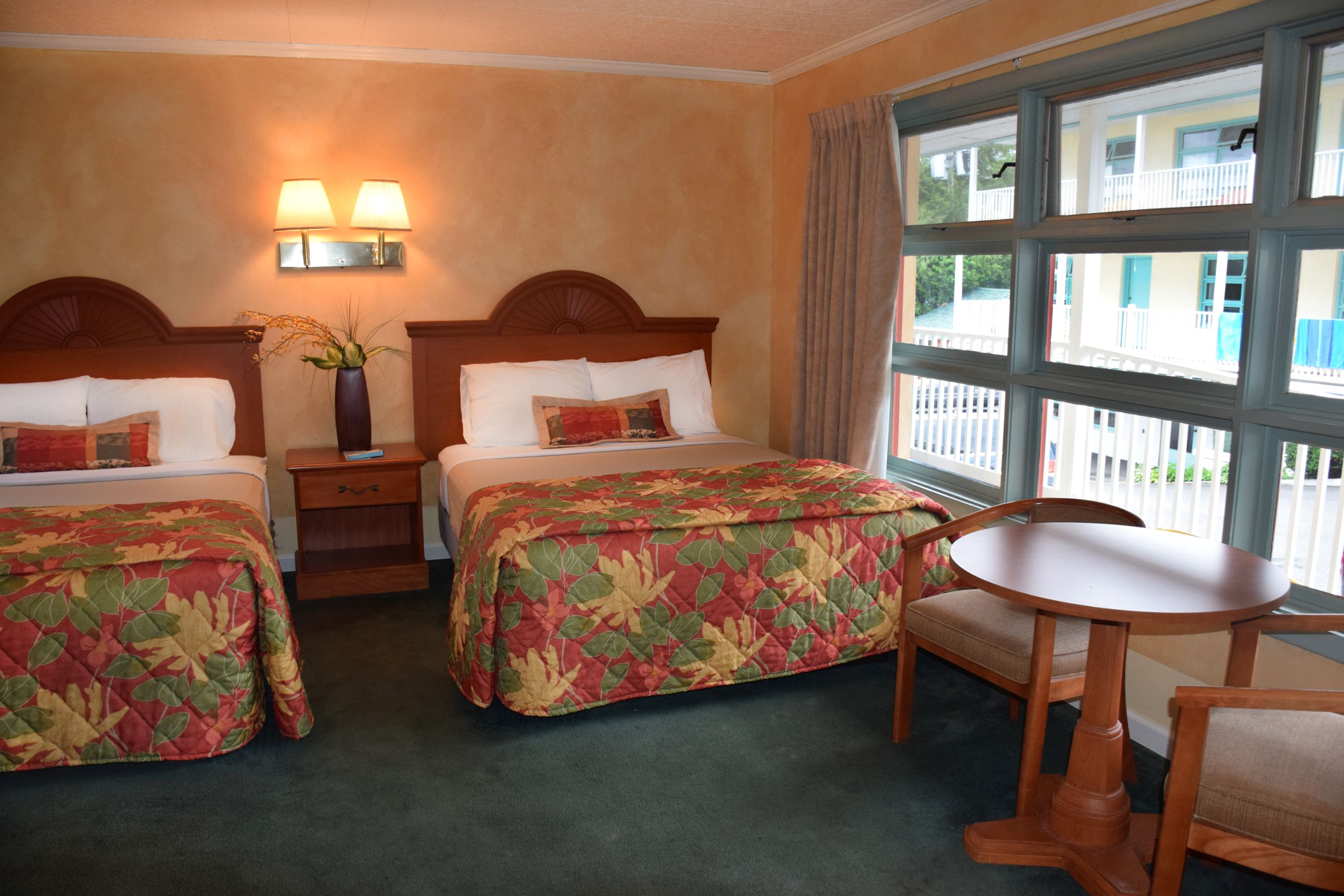 Standard Amp Deluxe Double Rooms O Sullivan S On The Lake
