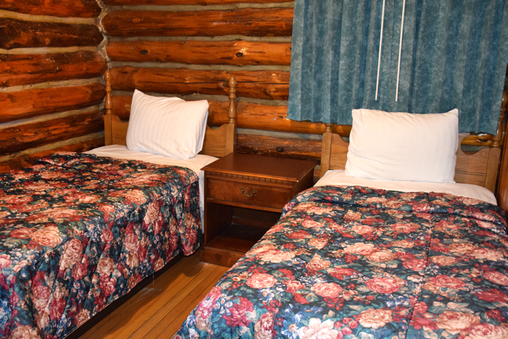 This Spacious, Stand Alone Log Cabin Can Comfortably Accommodate Your  Family. The Two Separate Bedrooms Have A Queen Bed In One Bedroom And Two  Twin Beds In ...